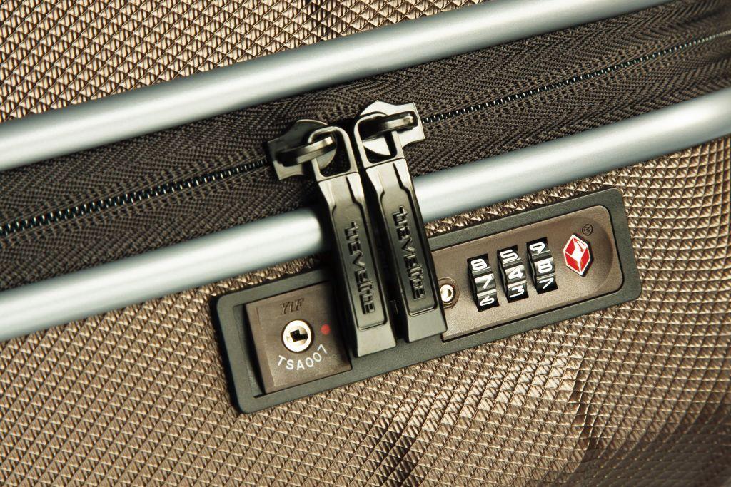 Pražské Letiště Václava Havla začne od 15. května nově provádět detekční kontroly vybraných zavazadel.